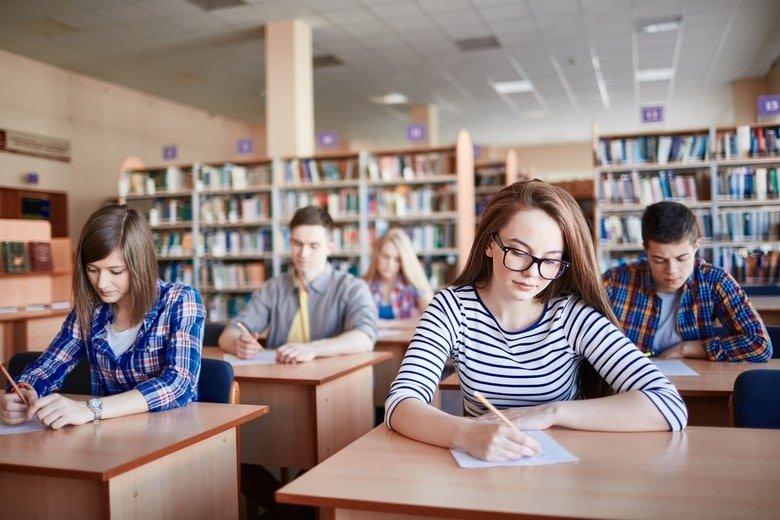 combien faut-il avoir au bac de français pour entrer en école d'architecture?